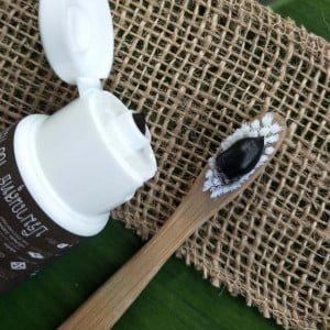 Pasta de Dentes Natural Tailandesa – Carvão de coco