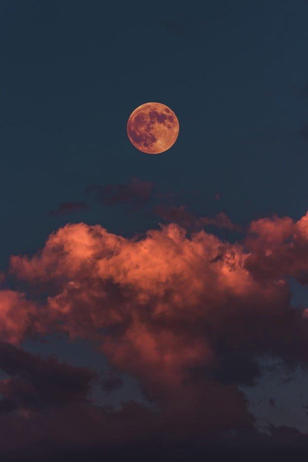 A Influência da Lua na vida da Mulher
